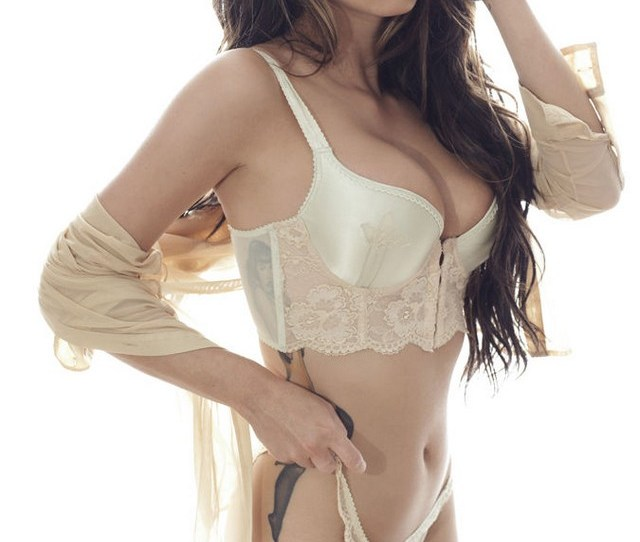 Jessica Jane Clement 02