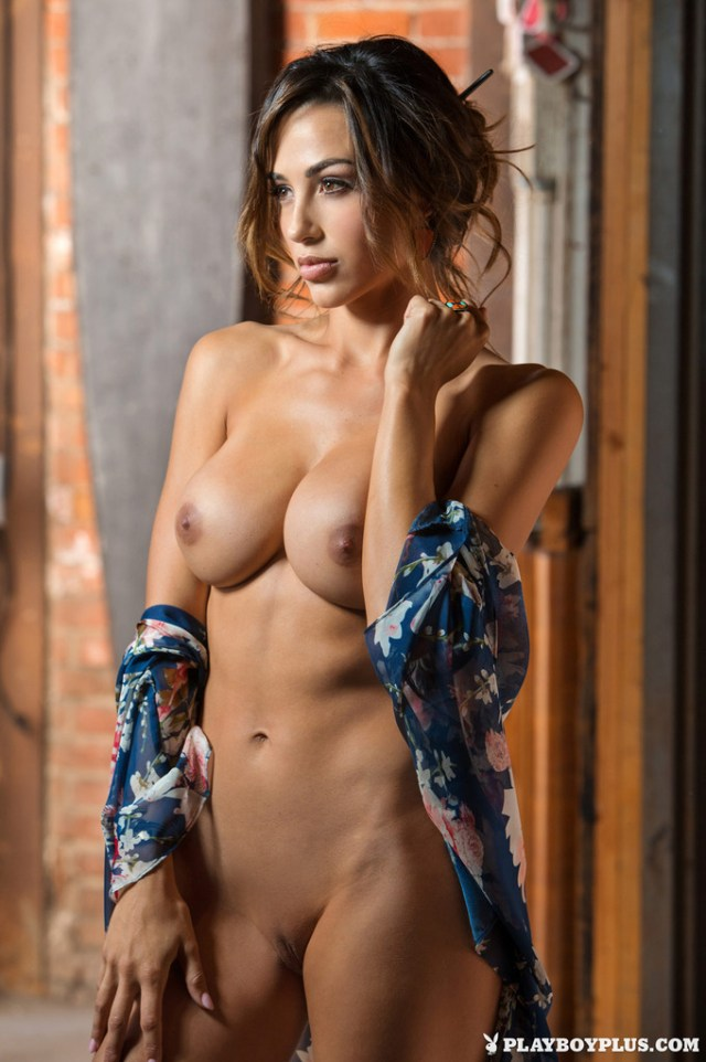 Playmate Ana Cheri 03