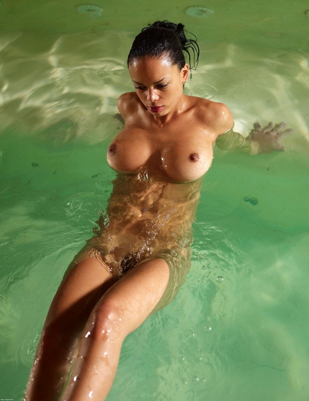 Lonely Gabriella In The Pool 11