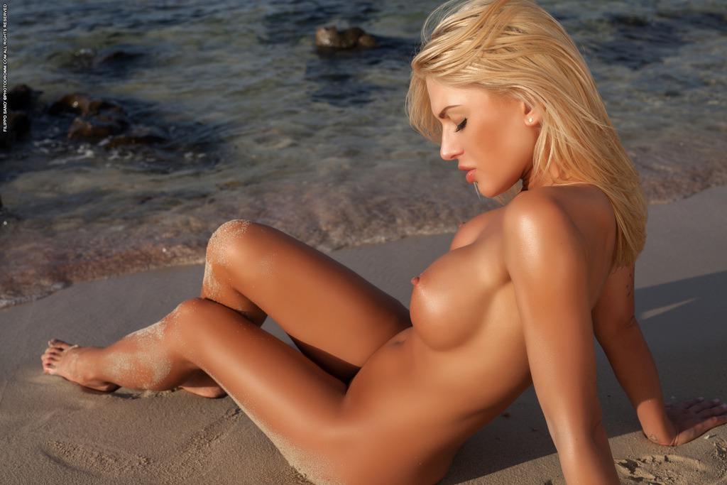 Brigitta In La Playa 2 12