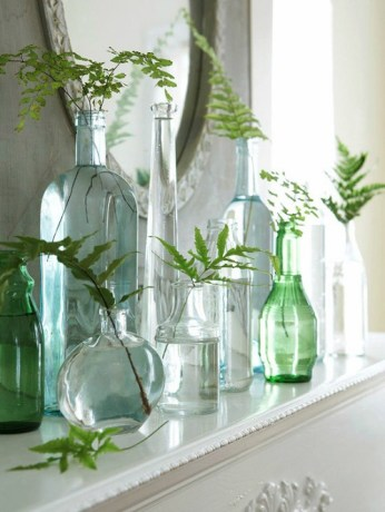 Recycled glass leafs in vases