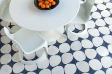 tiles blue white