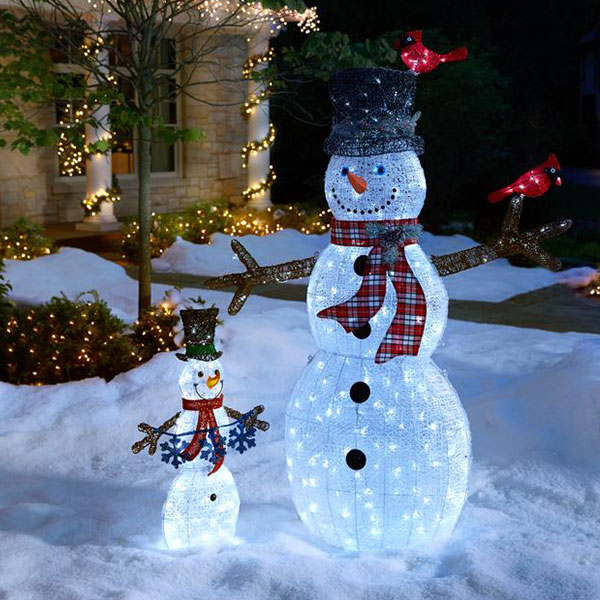 Simple Outdoor Christmas Decorations