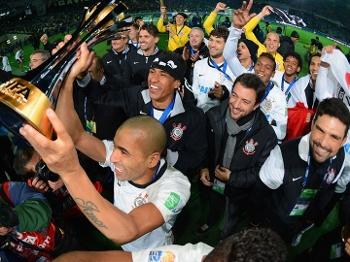 Corinthians comemora o título mundial conquistado neste domingo, contra o Chelsea, no Japão