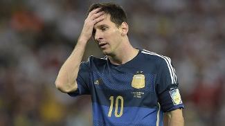 Messi lamenta na final da Copa do Mundo contra a Alemanha