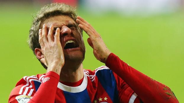 Muller vai ao desespero em goleada do Wolfsburg sobre o Bayern