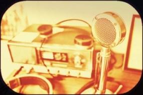 radio-earphones-microphone