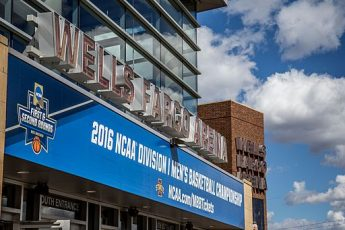 Wells_Fargo_Arena_2016_March_Madness_Opening_Rounds_(25843889175)