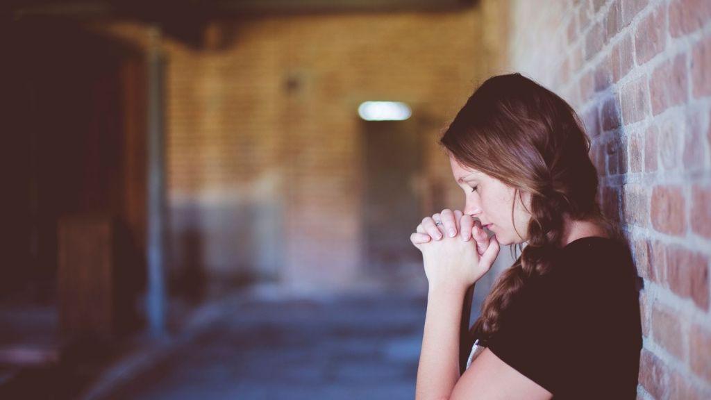 benefits of prayer decorative image girl alone