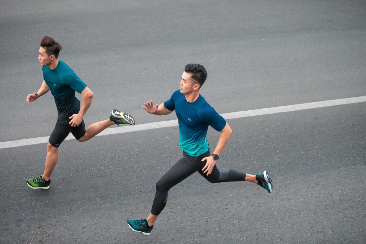 跑步 | 挑戰初全馬。如何配速、補給與訓練?