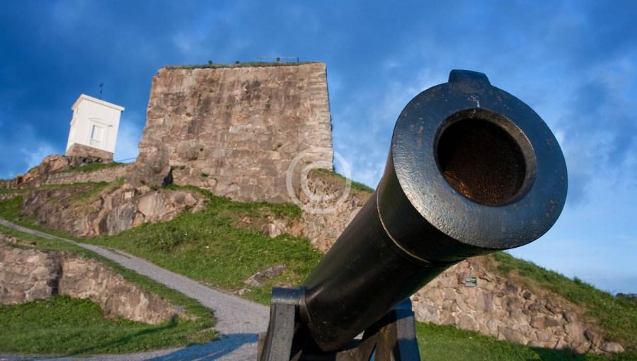 Kanon under klokketårnet 01