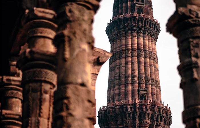 Qutub Minar - Tourist Attractions in New Delhi