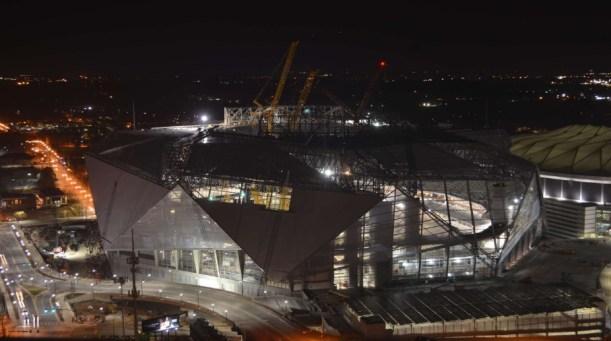 mercedes_estadio_noite