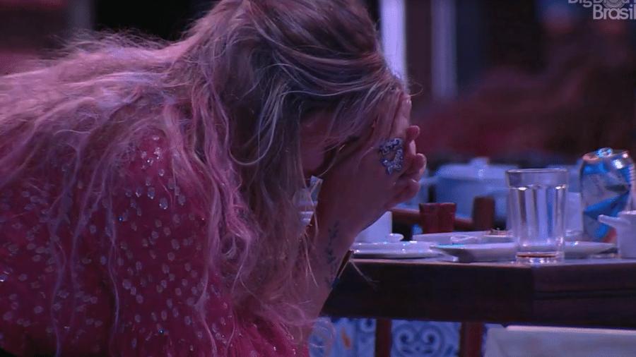 Marcela chora após conversar com Daniel - Reprodução/Globoplay