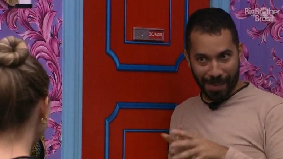 BBB 21: Gilberto fala sobre Arthur com Carla Diaz - Reprodução/Globoplay