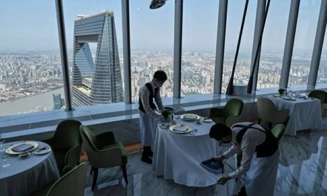 Restaurante no J Hotel Shanghai Tower  - AFP - AFP