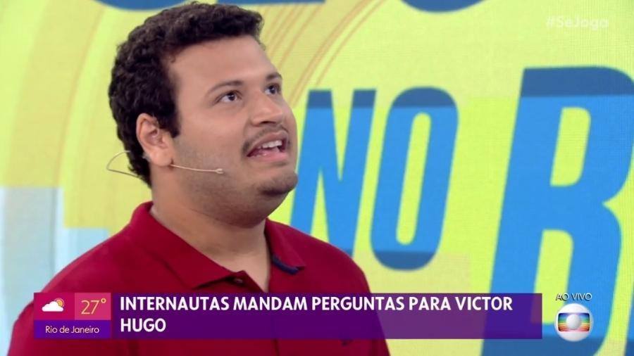 Victor Hugo diz que Gabi deu o escapulário para ele e que devolverá para Guilherme  - Rede Globo/Reprodução