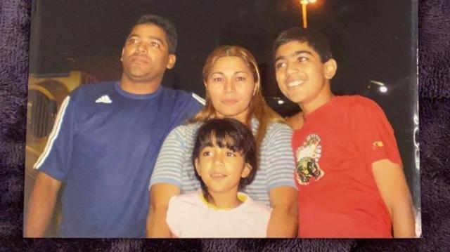 Lindalva e Valdemir com os filhos Dhiovanna e Gabriel Barbosa - Arquivo pessoal