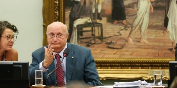 O deputado Osmar Serraglio (PMDB-PR), que assumirá o Ministério da Justiça