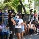 Movimentação de candidatos no entorno de um dos locais de provas do Recife - JúLIO GOMES/ESTADÃO CONTEÚDO
