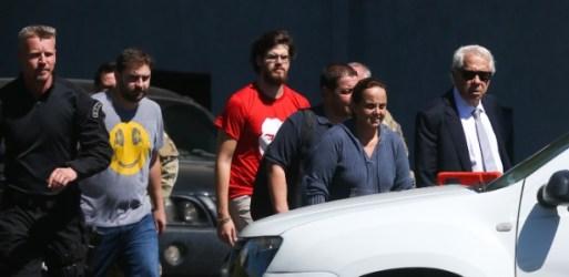 Thiago Trindade Lula da Silva (de camiseta vermelha) visitou o avô na prisão em Curitiba