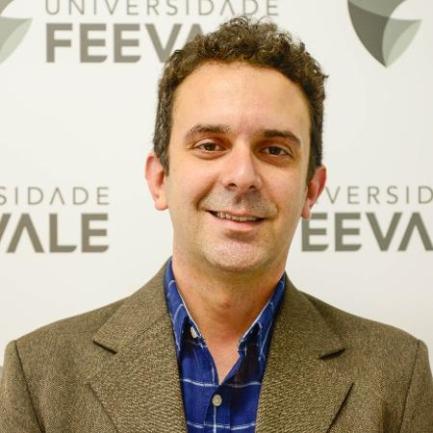 """""""A ciência é sempre contestada pelo senso comum"""", diz presidente da Sociedade Brasileira de Virologia - Feevale / Divulgação"""