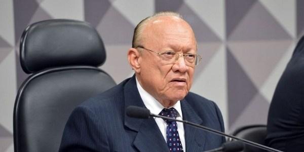 24.fev.2016 - O presidente do Conselho de Ética do Senado, João Alberto Souza (PMDB-MA), durante reunião