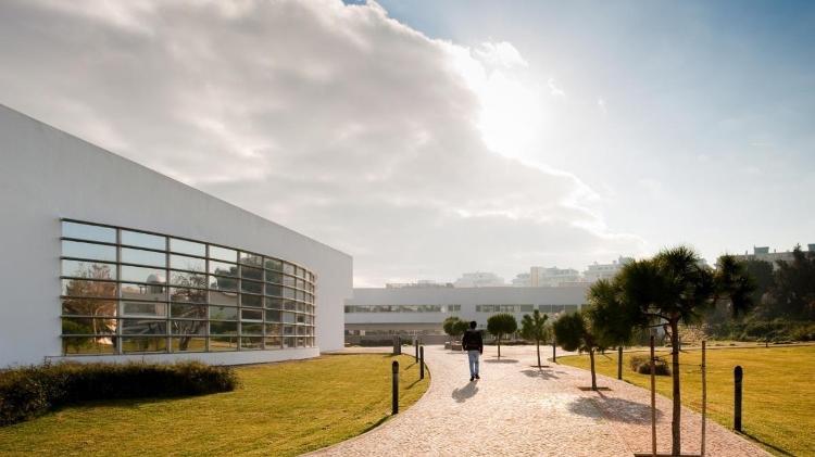 universidade do algarve em portugal 1571248549729 v2 750x421 - QUER ESTUDAR FORA? Confira a lista de universidades que aceitam nota do Enem