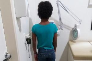 M.J., de 10 anos, foi torturada pela mãe e o padrasto por quatro anos