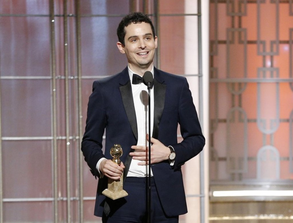 Damien_Chazelle_winner_of_Best_Director_and_Best_Screenplay_at_the_74th_Golden_Globe_Awards_-_GettyImages