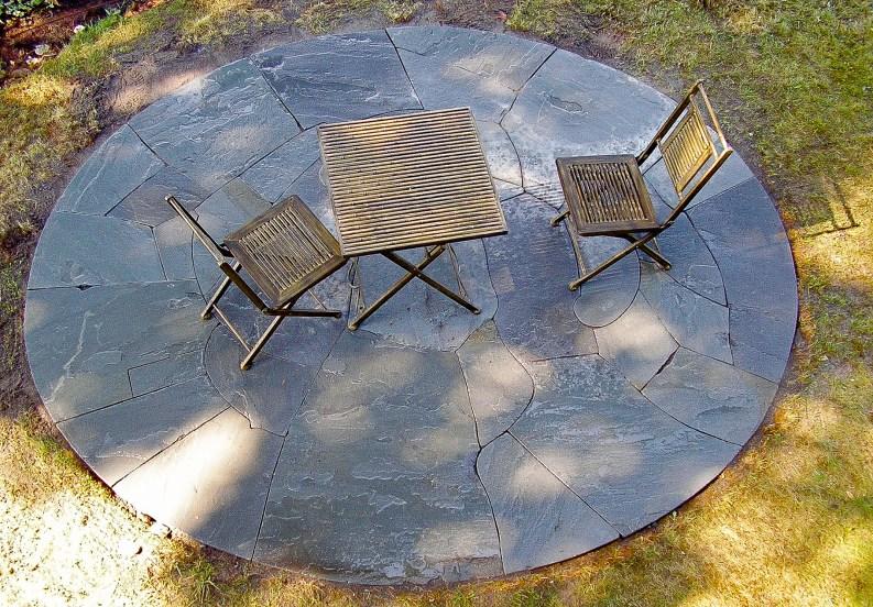 Eric Contey Stonework - Circular patio island
