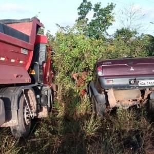 Médico acreano morre após acidente grave entre caminhonete e caçamba na BR-210