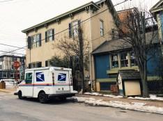 Haus und Postauto