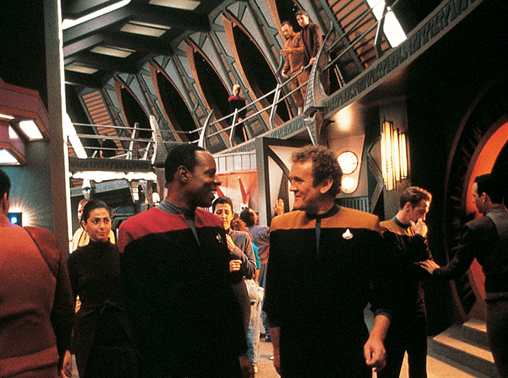 Star-Trek-30-years-DS9-promenade