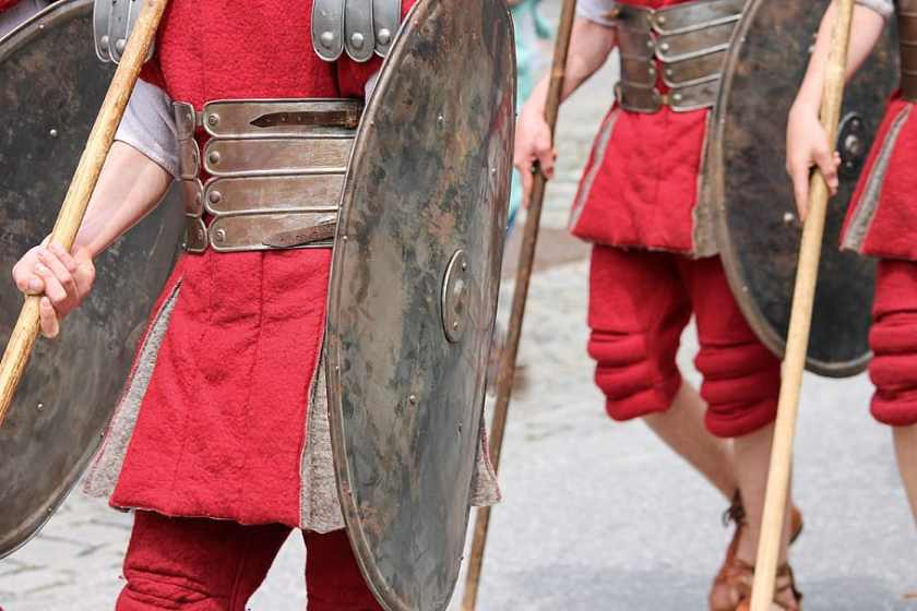 soldiers-romans-armor-shield