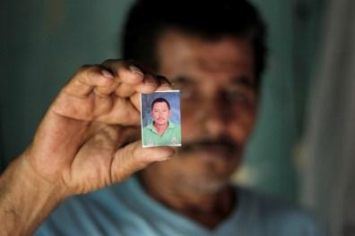 José (65 años), padre de Melvin Mauricio Chávez Perez (35 años), estuvo preso en El Pozo y esposo de Lourdes Johana Gómez quien estuvo presa en el Centro Penal de Tela, departamento de Atlántida. Capturado en Pimienta, Cortés ahora tiene medidas sustitutivas y enfrenta en libertad un juicio por quema de la posta policial durante protestas postelectorales.
