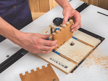 Cutting Box Joints On A Router Table