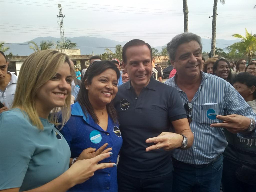 Dória arrasta multidão durante visita a Caraguá