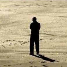 solos en la sociedad