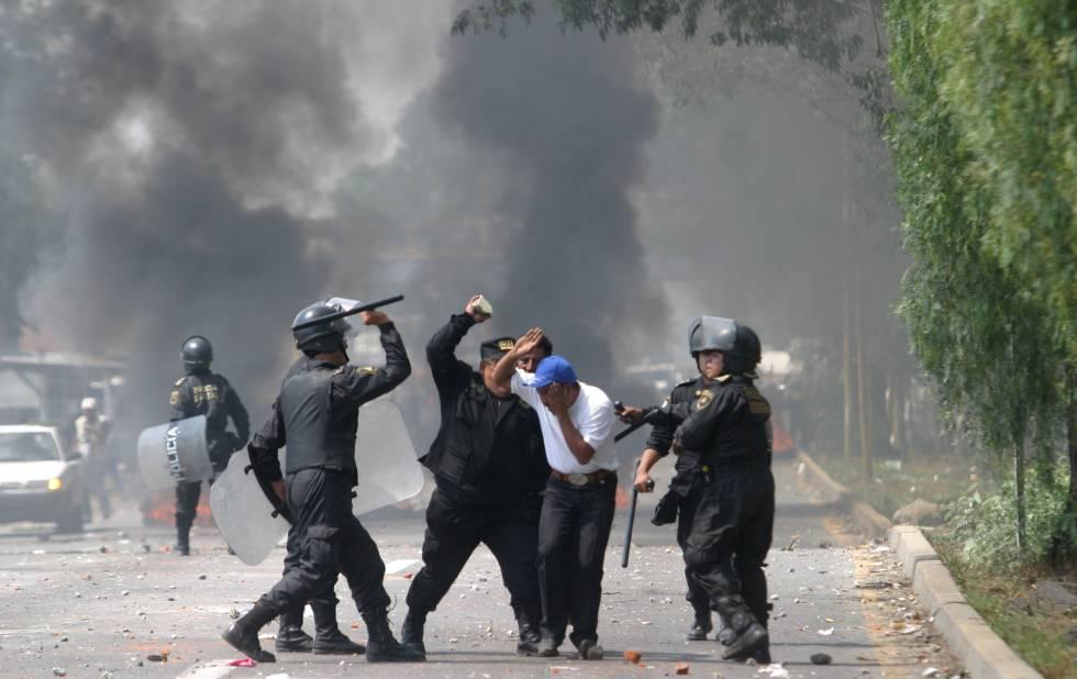 Represión policiaca en Atenco