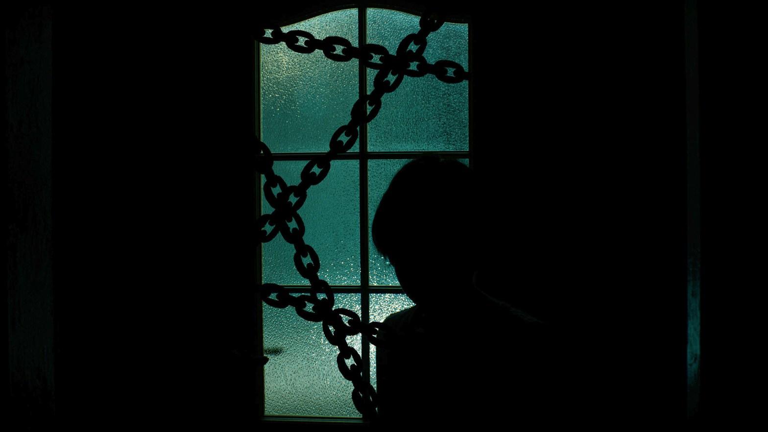 Imagen en sombra de un niños secuestrado