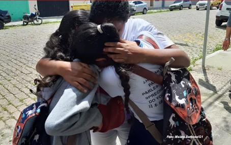 Adolescentes matam 8 em escola de São Paulo e se suicidam
