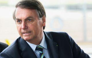 """Bolsonaro recua e diz que a """"chance é zero"""" de dividir ministério de Moro"""