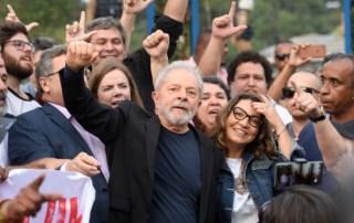 Pesquisa aponta que 54% consideram justa soltura de Lula