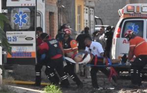 Paramédicos alcanzan a rescatar a siete heridos