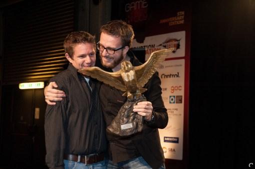 Xform'ers Diederik Groesbeek en Pieter Albers echt héél blij met de uil
