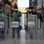 POLICÍA EN MEXICO USAN PATRULLA DE MOTEL Y QUEDAN GRABADO