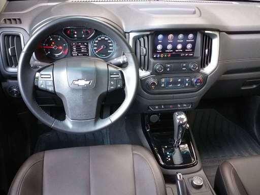 Visão internada da Chevrolet S10 High Country
