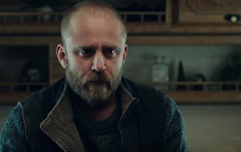 Leave No Trace film review dad sad