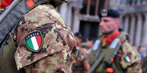 Libia soldati italiani con stemma